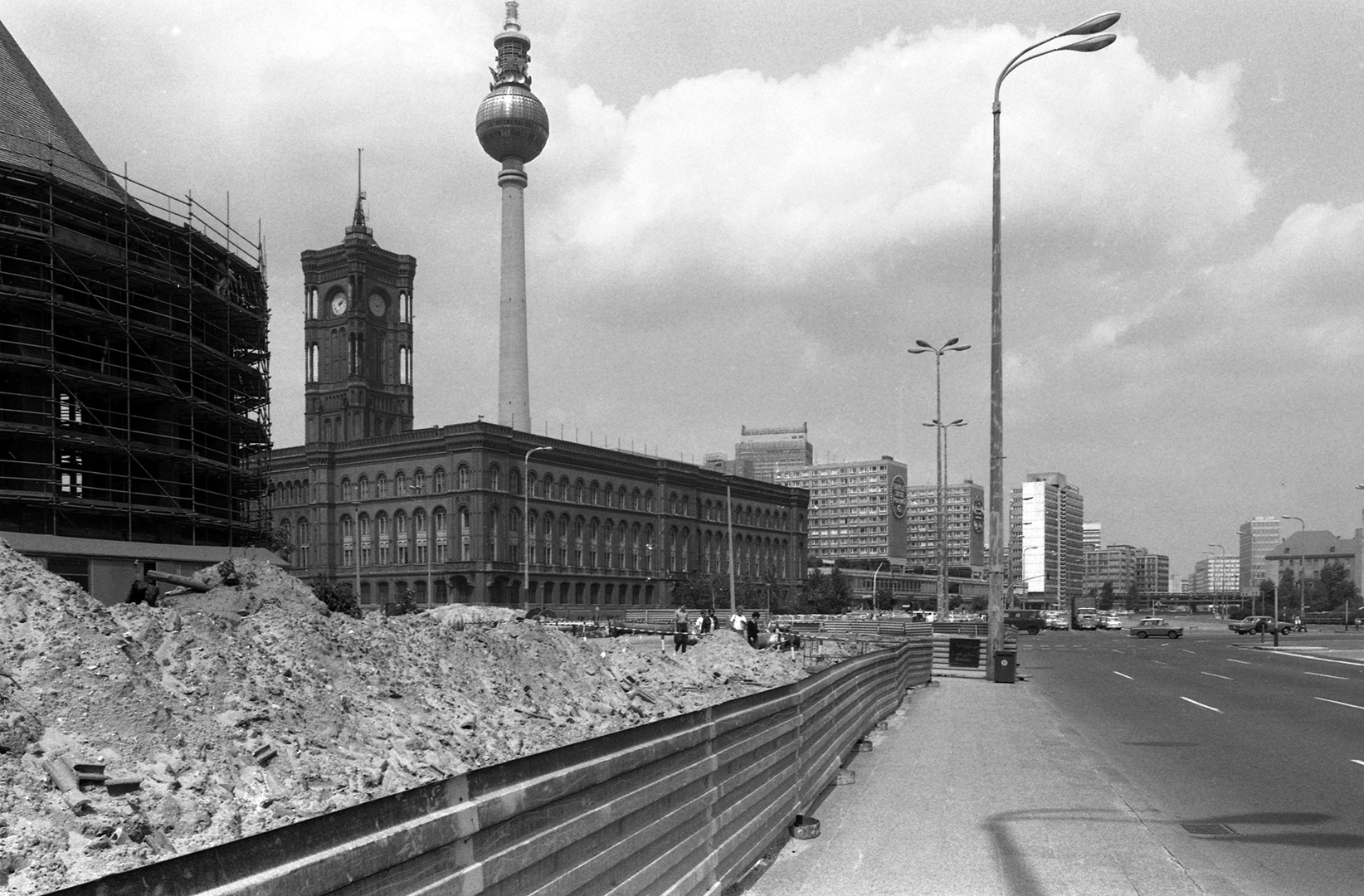 east-berlin-1983_04_Berlino-Est-30