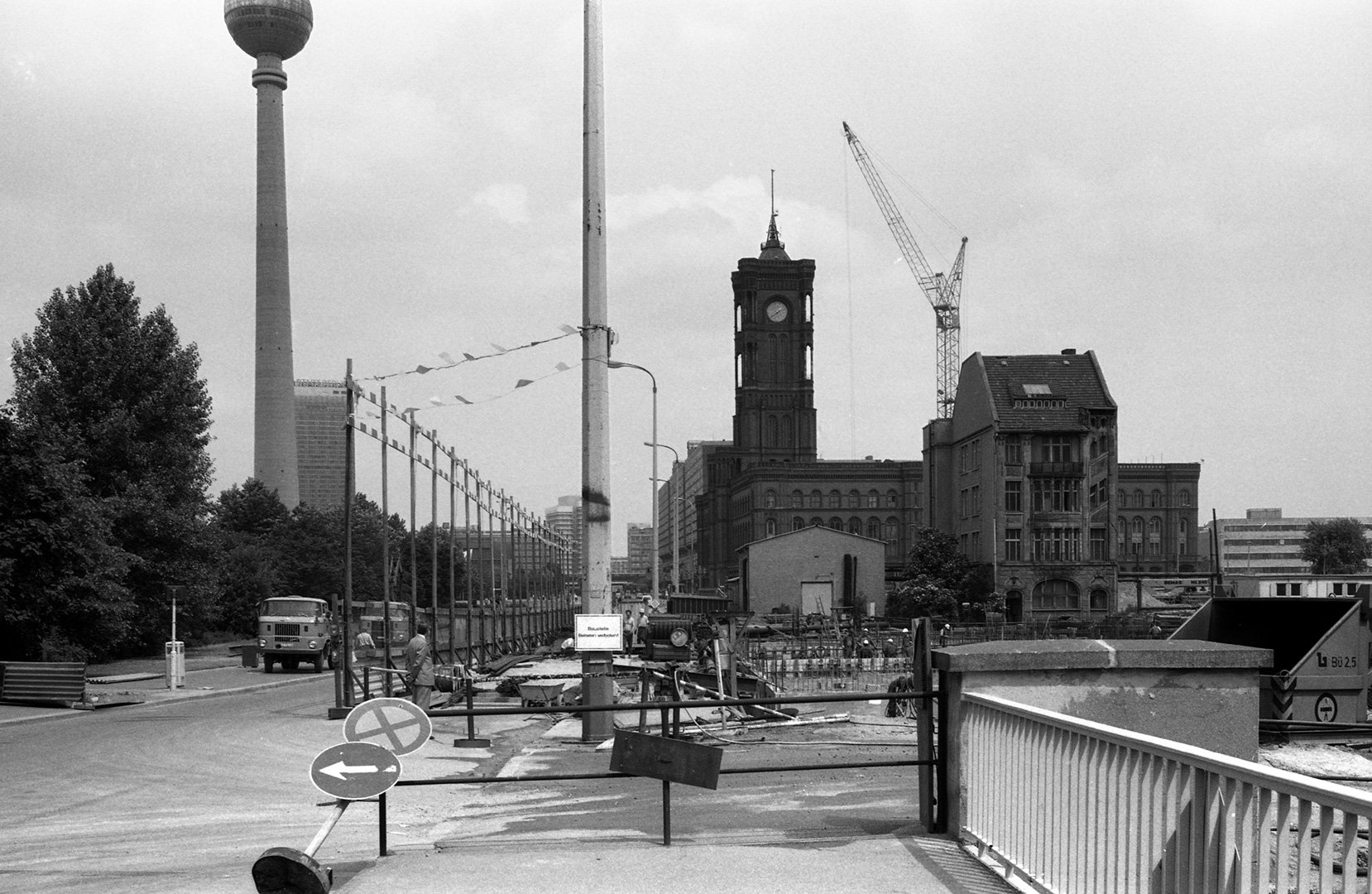 east-berlin-1983_14_Berlino-Est-36