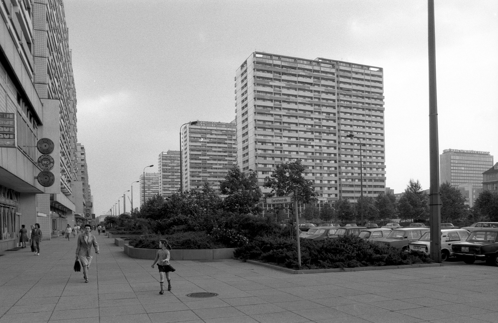 east-berlin-1983_20_Berlino-Est-40