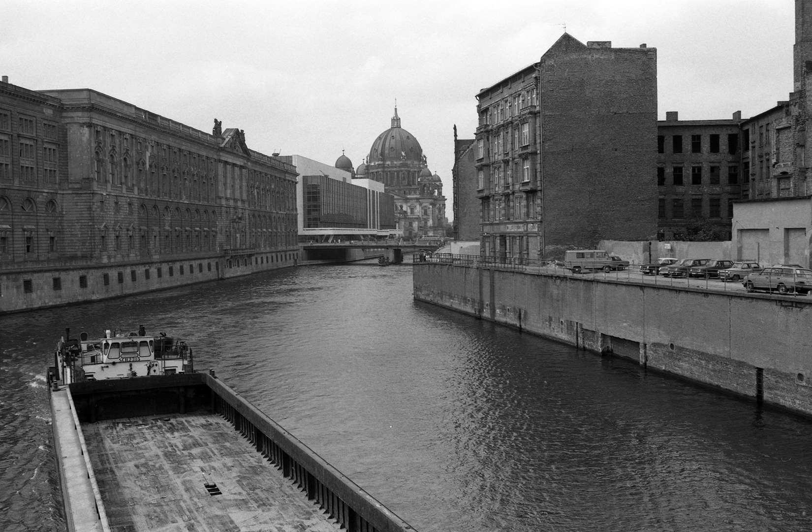east-berlin-1983_27_Berlino-Est-98