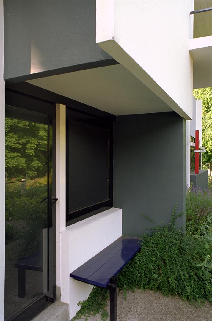 gerrit-rietveld_06_Shroeder-House-2001-26