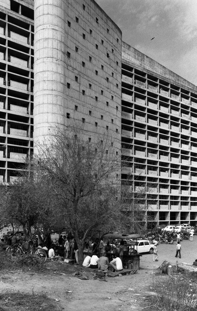 le-corbusier_02_Le_Corbusier_Chadingarh_LC1_925-27-CHA