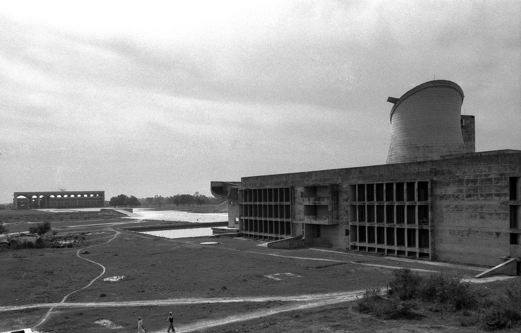 le-corbusier_08_Le_Corbusier_Chadingarh_LC1_929-21-CHA