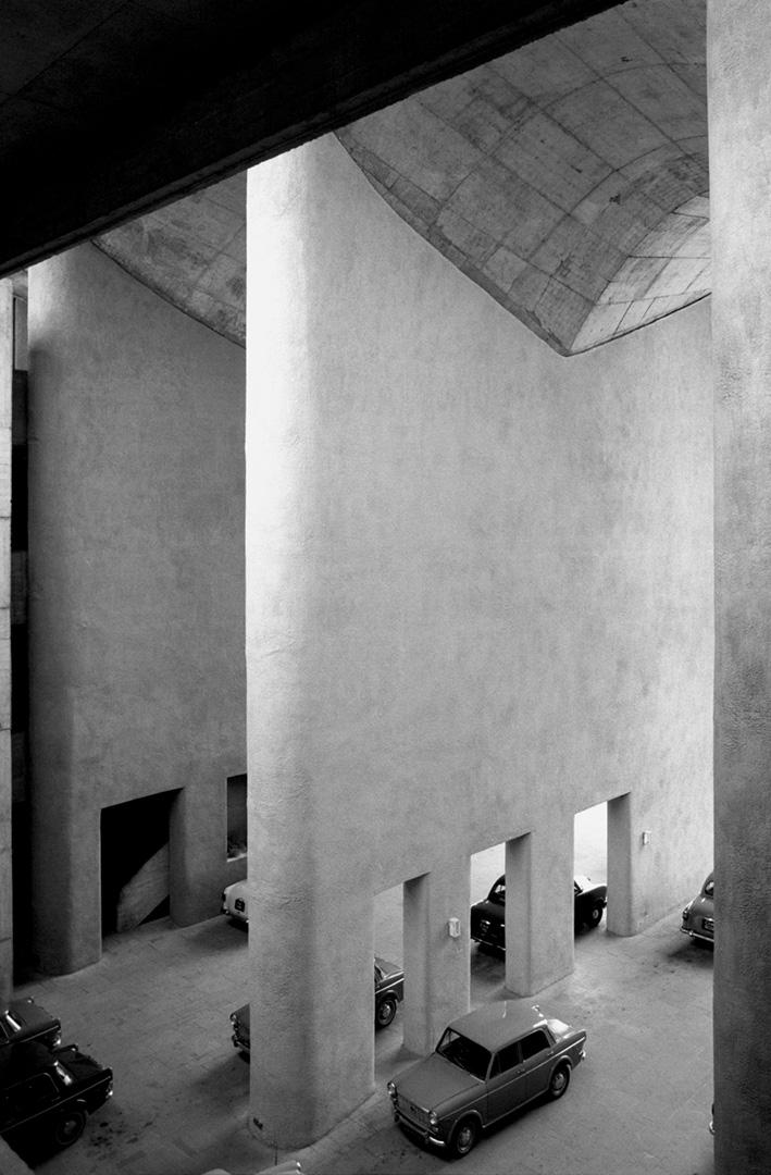 le-corbusier_09_Le_Corbusier_Chadingarh_LC1_930-18-CHA
