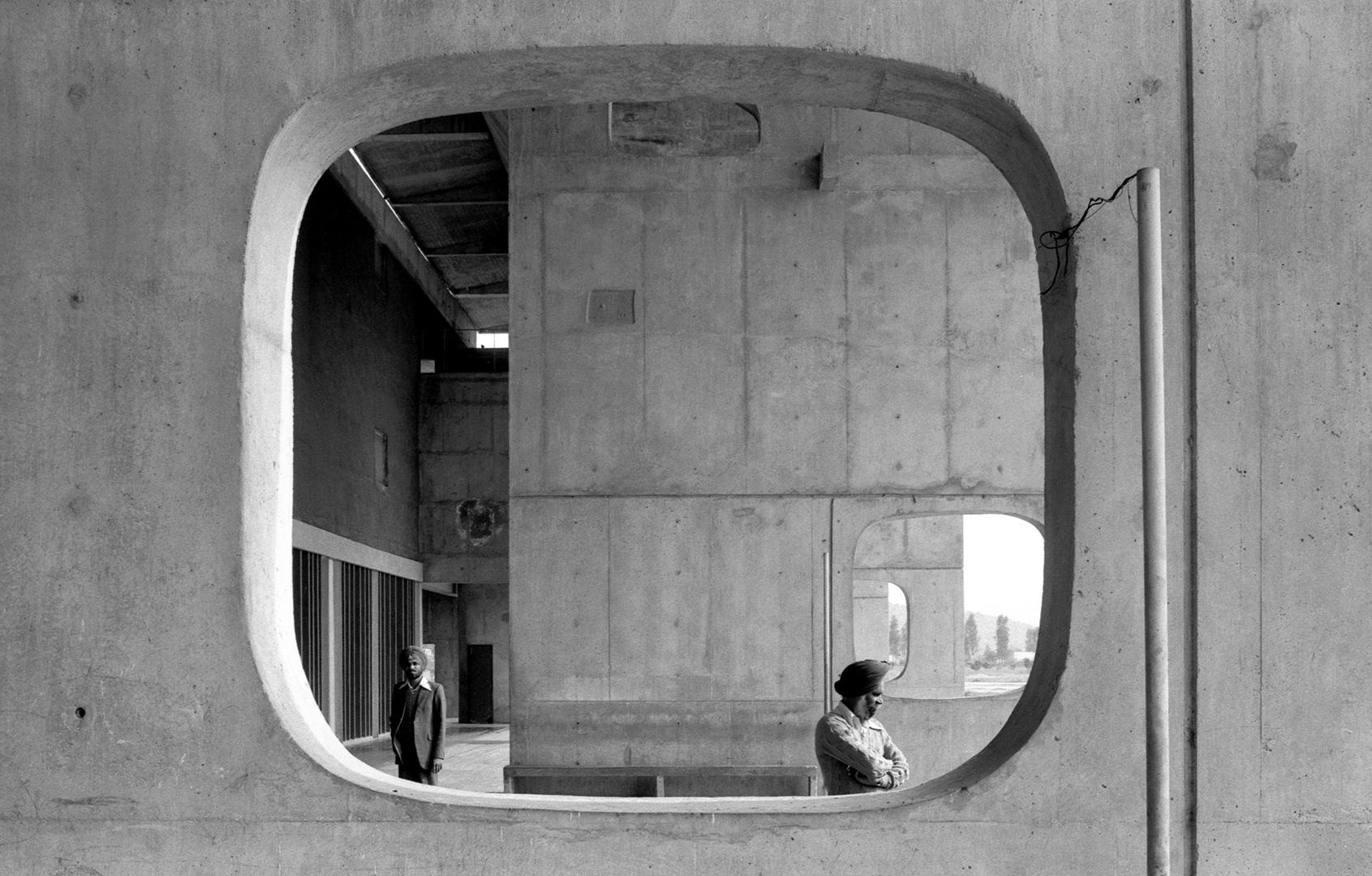 le-corbusier_10_Le_Corbusier_Chadingarh_LC1_936-12-CHA