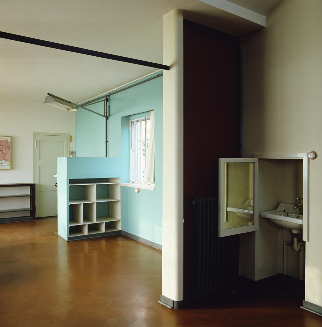le-corbusier_18_Le_Corbusier_Petite_Maison_LC2_01