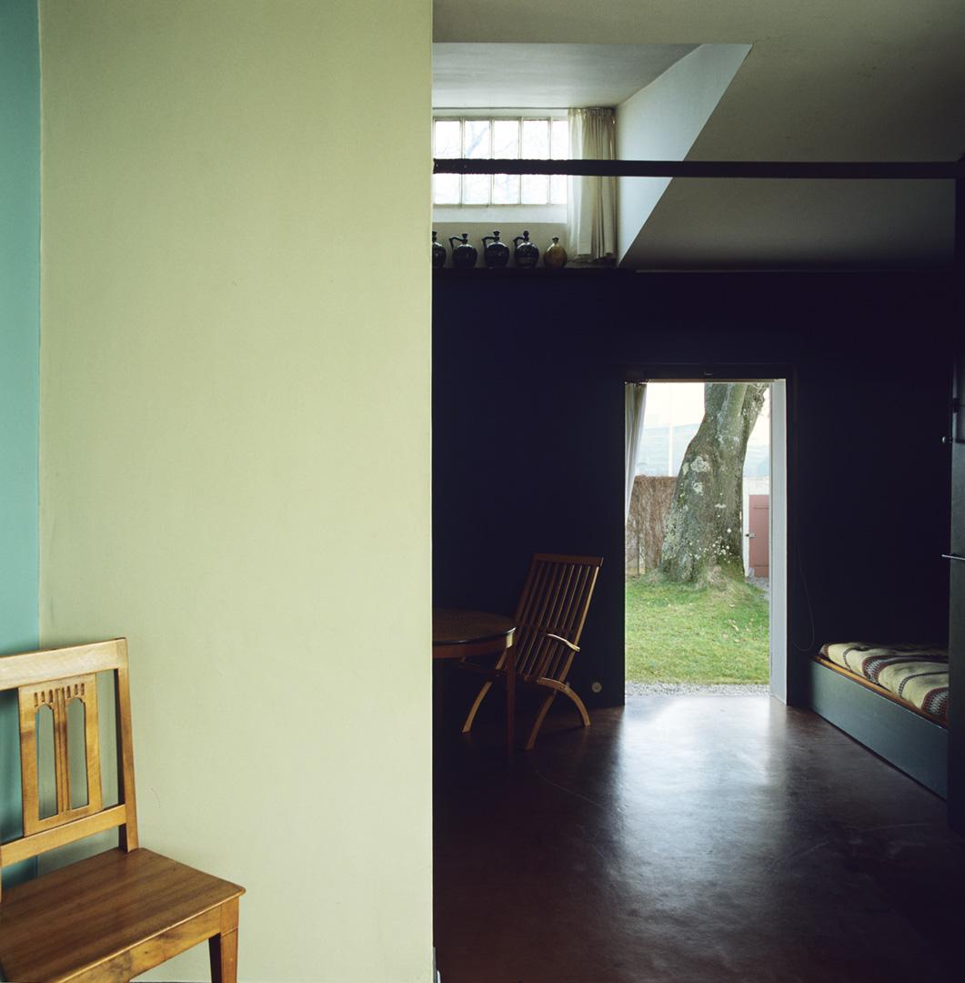le-corbusier_24_Le_Corbusier_Petite_Maison_LC2_08