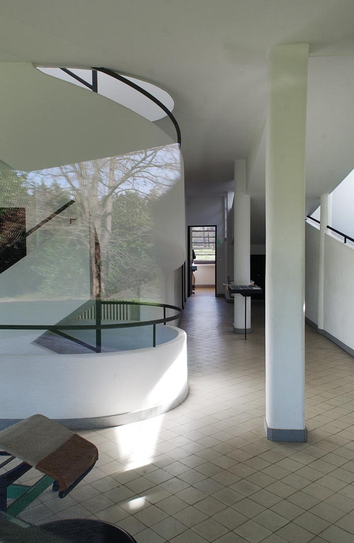 le-corbusier_36_Le_Corbusier_Villa_Savoie_LC3_DSC_5207