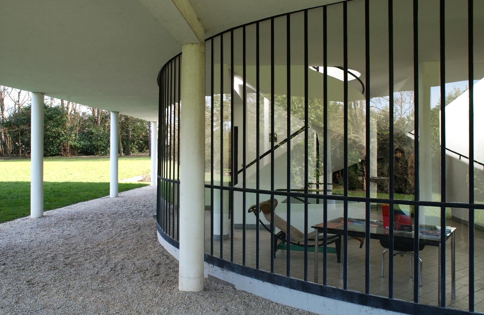 le-corbusier_39_Le_Corbusier_Villa_Savoie_LC3_DSC_5422