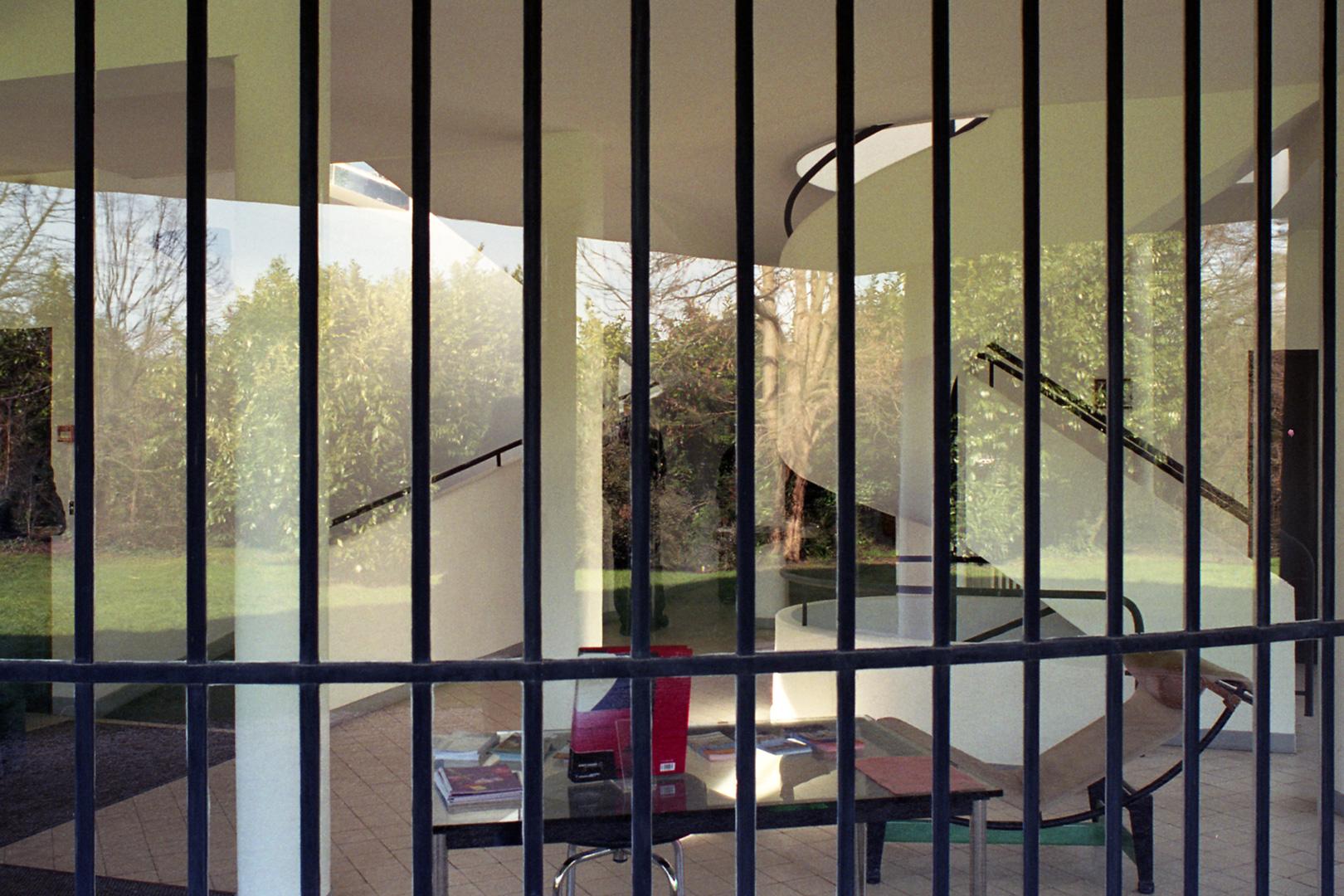 le-corbusier_44_Le_Corbusier_Villa_Savoie_LC3_Villa-Savoie-2003-08-copia